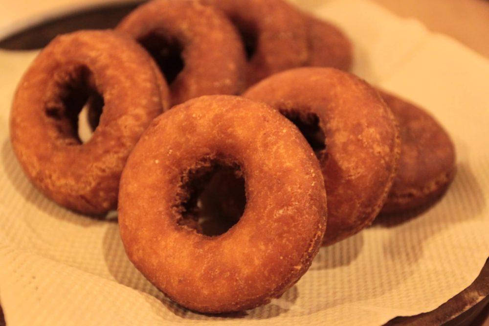 オーガニック小麦と自家栽培自家製粉小麦の自家製酵母ドーナツ! 言いにく!